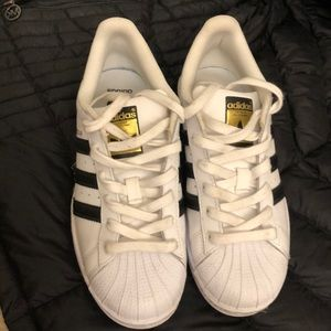 Addidas classic black and white tennis shoes